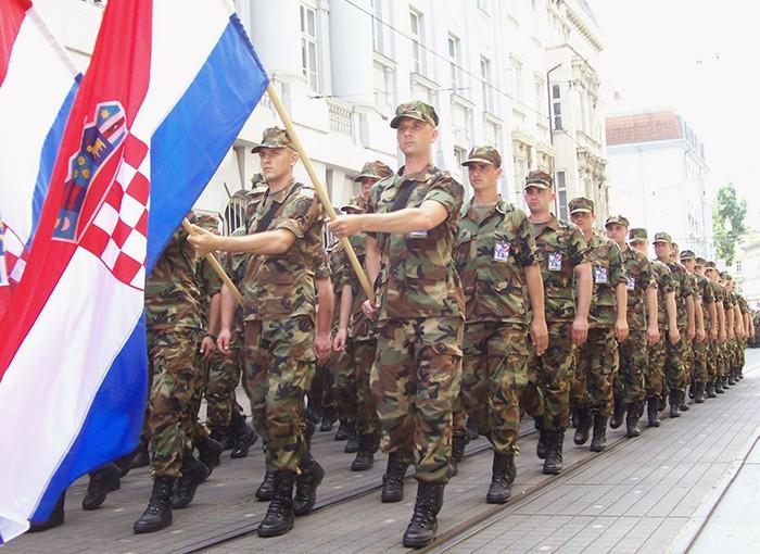 """Hrvati traže da se u vojsku uvede """"Za dom spremni"""""""