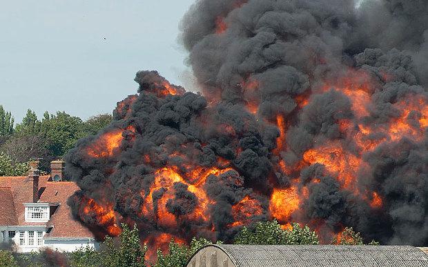 Novi bilans: Na aeromitingu u Velikoj Britaniji poginulo namanje 20 osoba