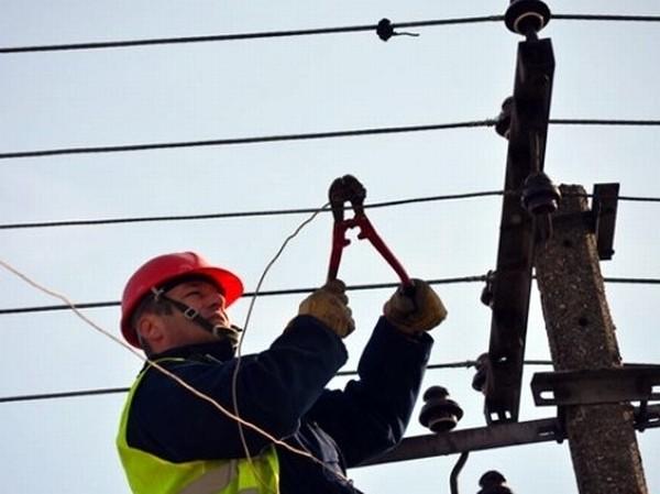 Više od 1.000 potrošača danas bez struje u Derventi