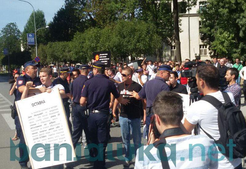 protesti rtrs