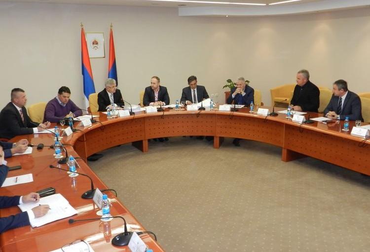 Čubrilović: Poslanici će imati sjednicu do duboko u noć, neće moći ni na pauzu