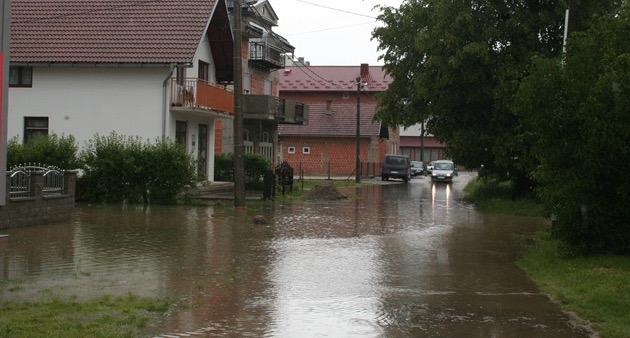 Prijete li nam nove poplave: Dijelovi Prijedora pod vodom, Banjalučani u pripravnosti