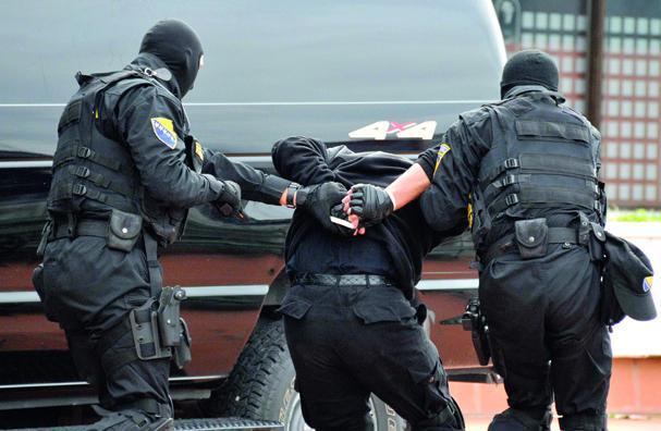 Uhapšena tri lica, među njima visoki zvaničnik policije