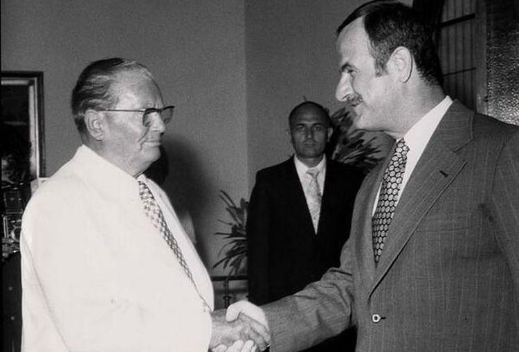 (VIDEO) Eh, to su bile države: Pogledajte kako je Tito drugovao sa Al Asadom u Siriji