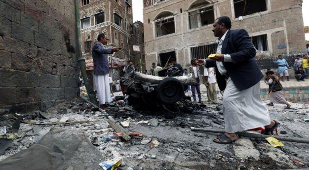 Jemen: Od eksplozije bombe poginulo 16 vojnika