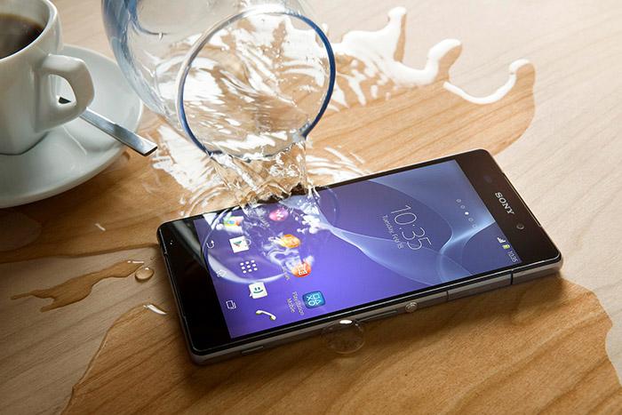 mobilni-telefon-voda