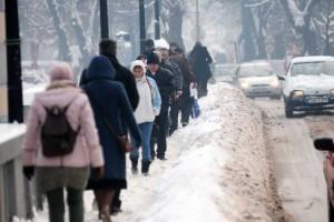 snijeg trotoar