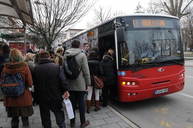 autobusi_putnici_stanica