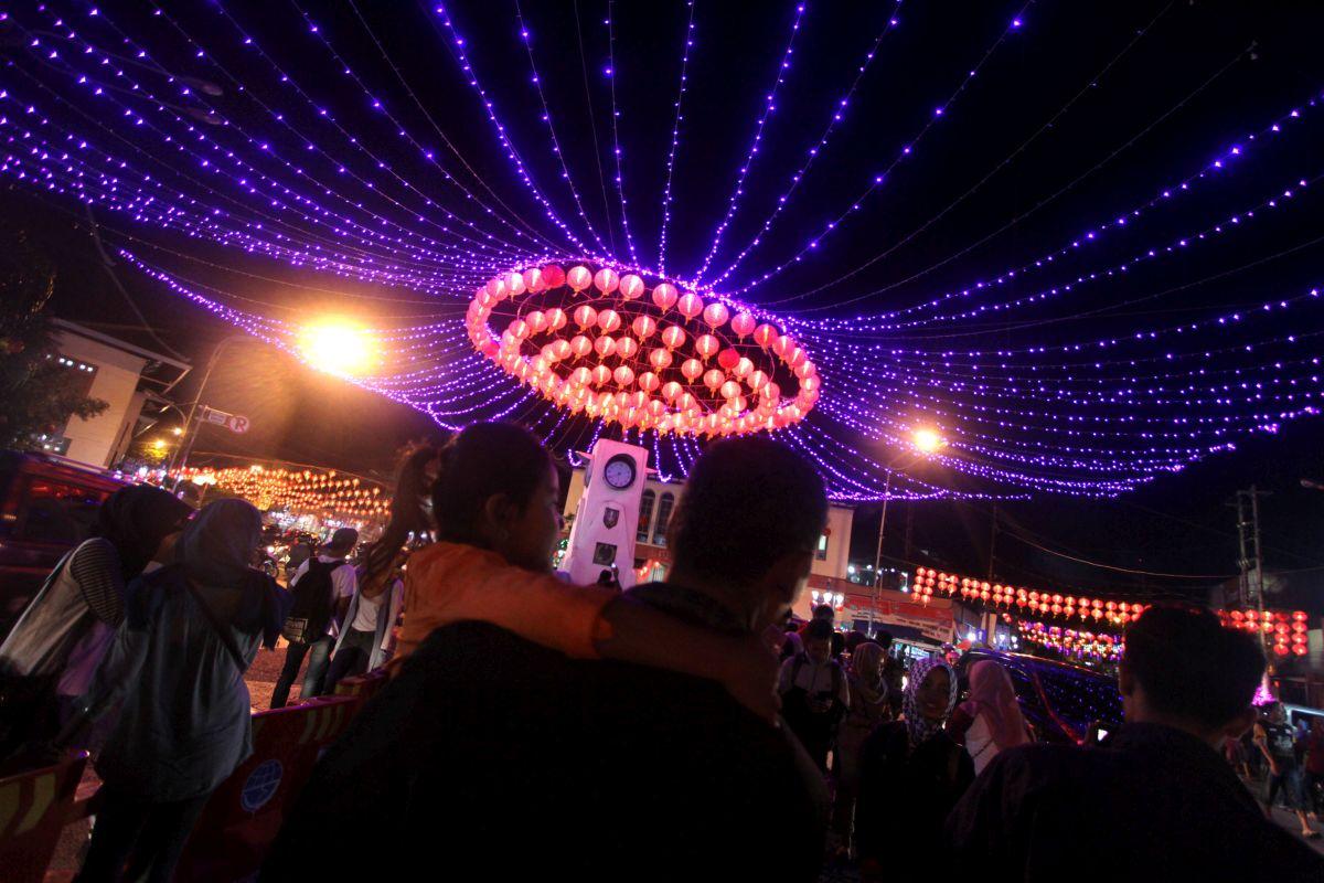 FOTO) Pripreme za Kinesku novu godinu u Indoneziji: Ulice i