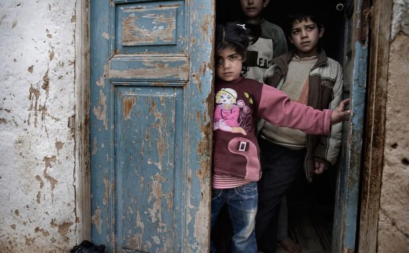 (FOTO) Skoro pola miliona ljudi izgubilo živote u ratu u Siriji!