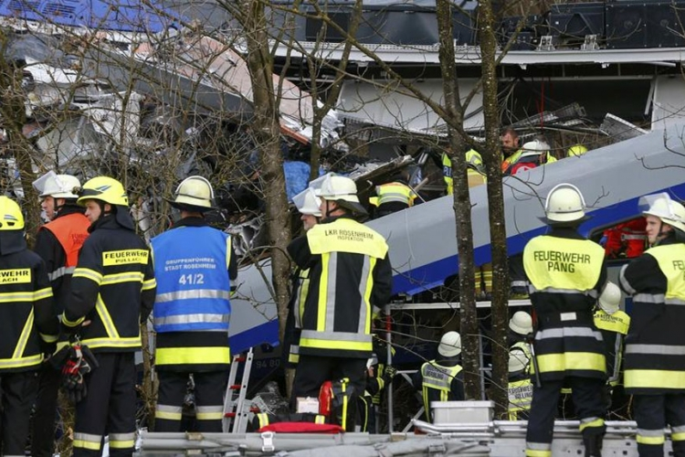 (VIDEO) Njemačka: Stravičan snimak iz voza nakon sudara