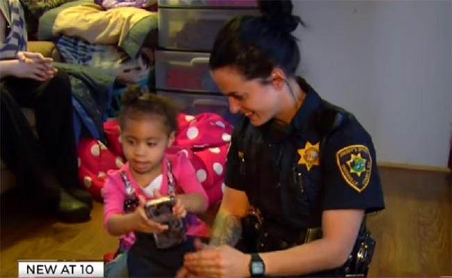 djevojcica-i-policajka