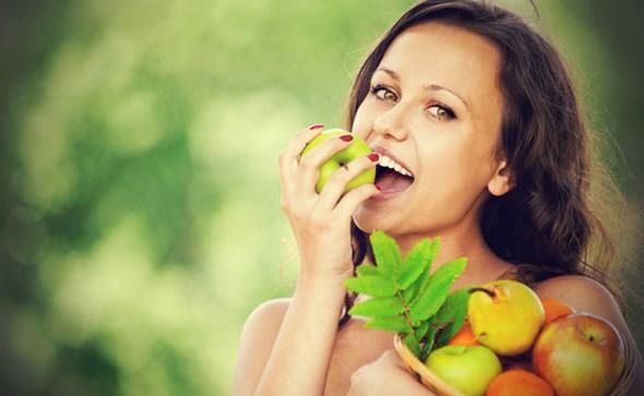 djevojka-jede-jabuke1002