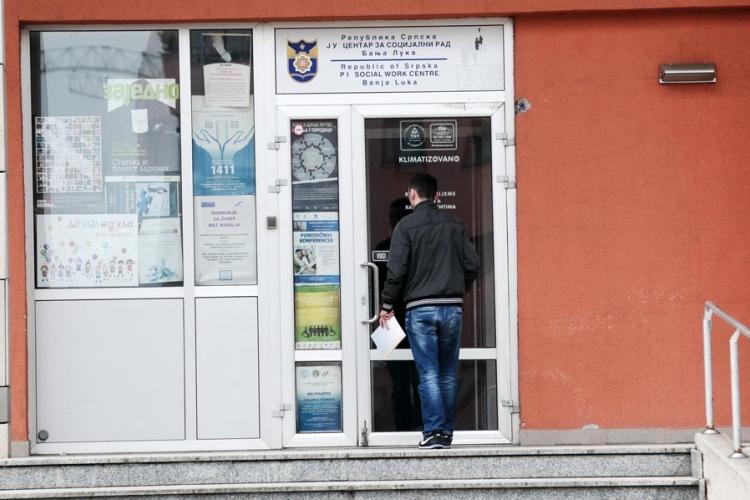 Grad nije uplatio sredstva Centru za socijalni rad: Sirotinja bez jednokratne pomoći