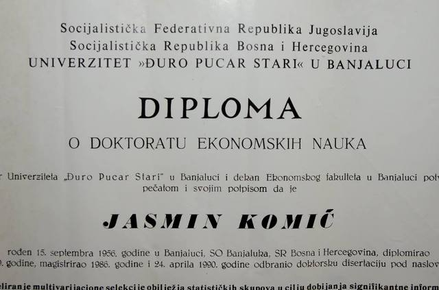 Banjaluka: Među eksponatima pronađenim na smetljištu diploma ministra
