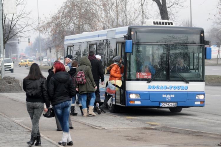 Obustavljanje izdavanja mjesečnih karata za prevoz učenika u RS