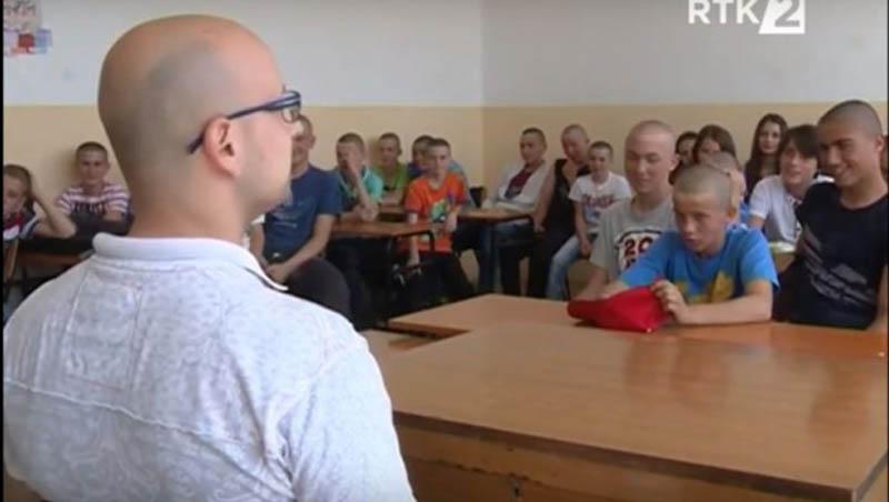(VIDEO)  Cijelo odjeljenje se ošišalo u znak podrške bolesnom drugaru
