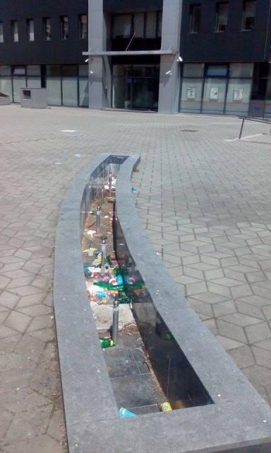 otpad u fontani2