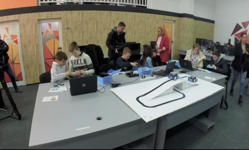 roboti u osnovnim skolama