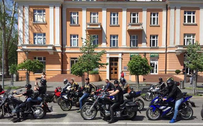 defile motocikala