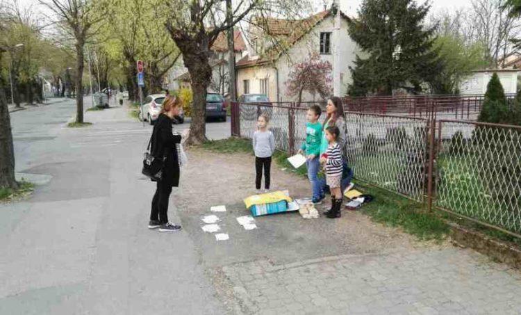 (FOTO) Mališani u Rosuljama skupljaju novac za Sofiju