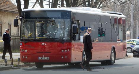 bomba u autobosu