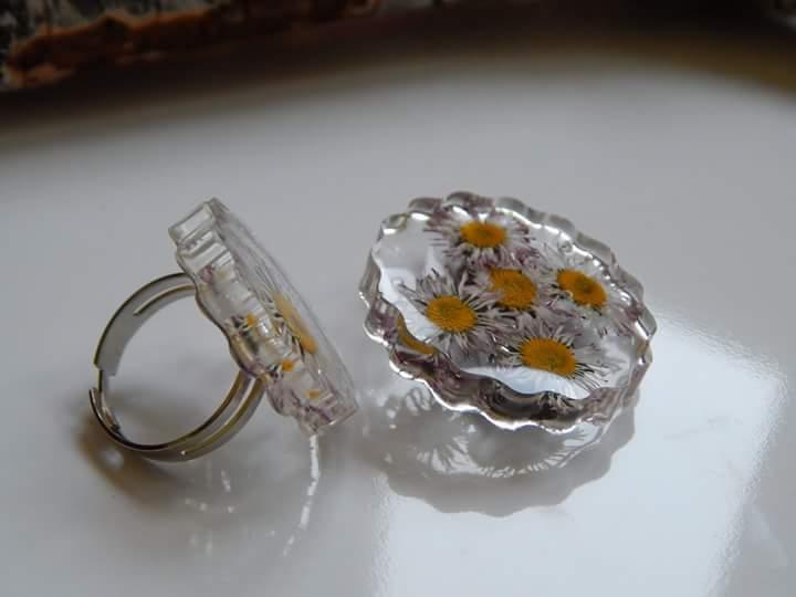 kristalna smola prsten
