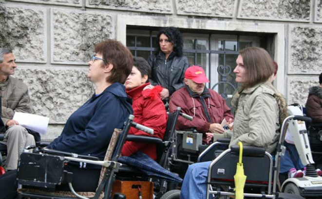 udruzenje invalida protesti