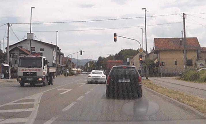 Automobil semafor