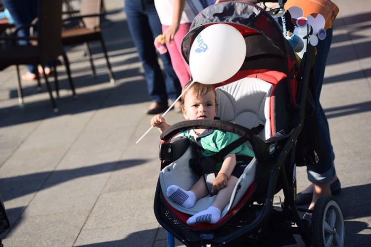 (FOTO) 'Konferencija beba': Najmlađi zavladali parkom Petar Kočić