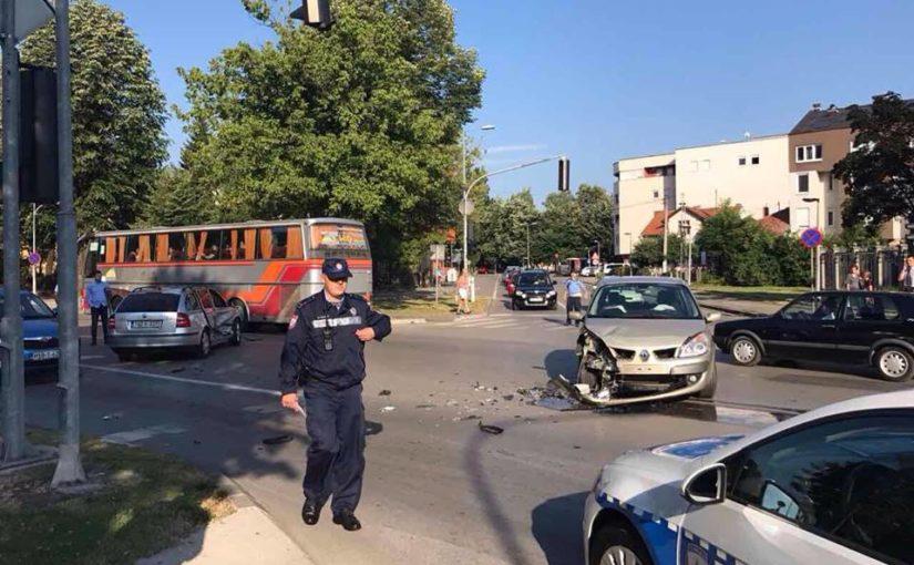 Banjaluka: Udes kod zgrade Vlade RS