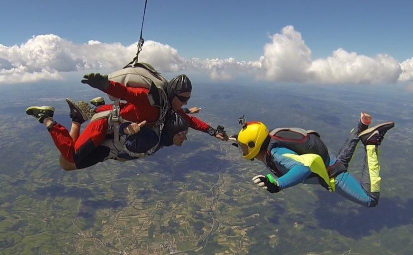 (FOTO) Rade Čajić padobranom skače 41 godinu
