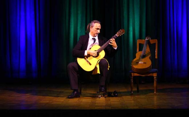 Gitarski virtuoz oduševio publiku u Banskom dvoru