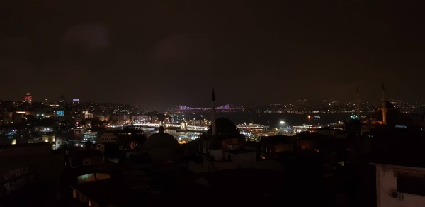 Istanbul - noćna panorama
