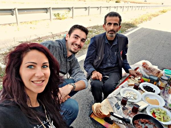 Rucak sa turskim kamiondzijom, cika Hasanom