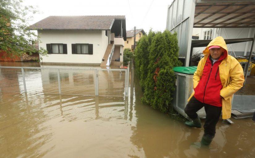 STIŽU PRVE PROCJENE ŠTETE PROUZROKOVANE POPLAVAMA Kiša u Banjaluci za sada odnijela milion maraka