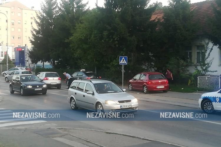 Automobil udario dijete u banjalučkom naselju Lauš