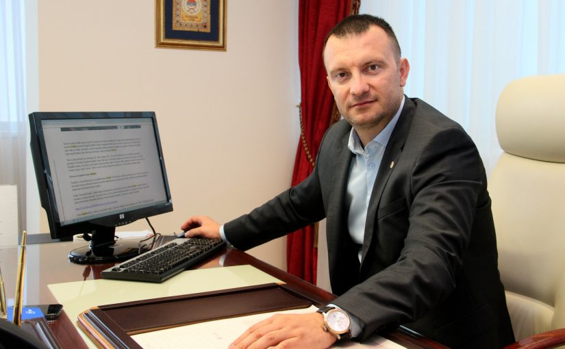 GORAN MARIČIĆ ZA BANJALUKA.NET: Koverte ostavite za svadbe, a radnike plaćajte preko računa