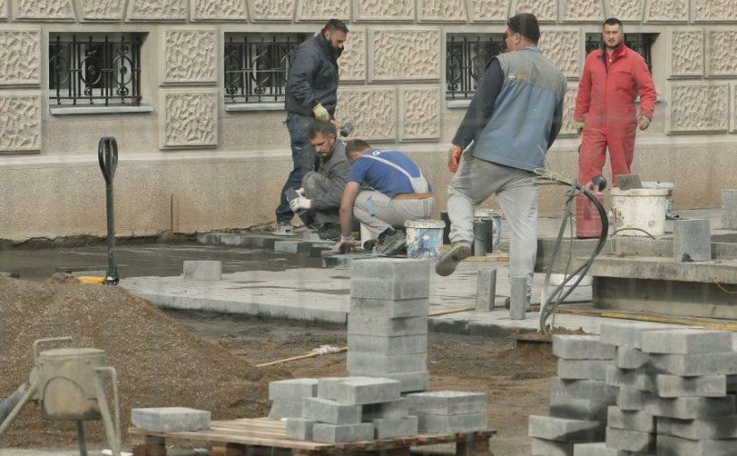 PJEŠAČKA ZONA SKUPLJA ZA 190.000 MARAKA: Proširen budžet zbog radova oko Palate Republike