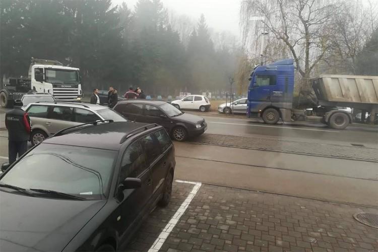 Saobraćajna nezgoda u Lazarevu, kolaps u saobraćaju