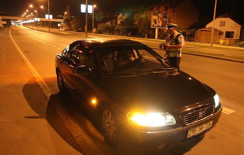 POJAČANE POLICIJSKE KONTROLE I večeras akcija na alkohol u Banjaluci