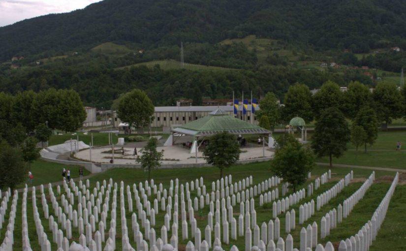 KOMEMORACIJA: Brojni govornici na obilježavanju 25. godišnjice zločina u Srebrenici