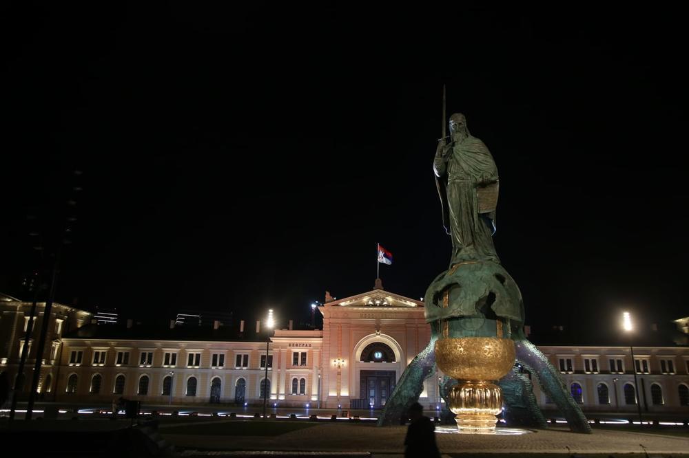 """""""VRATILI SMO VJERU U SEBE"""": Aleksandar Vučić otkrio spomenik Stefanu Nemanji u Beogradu"""