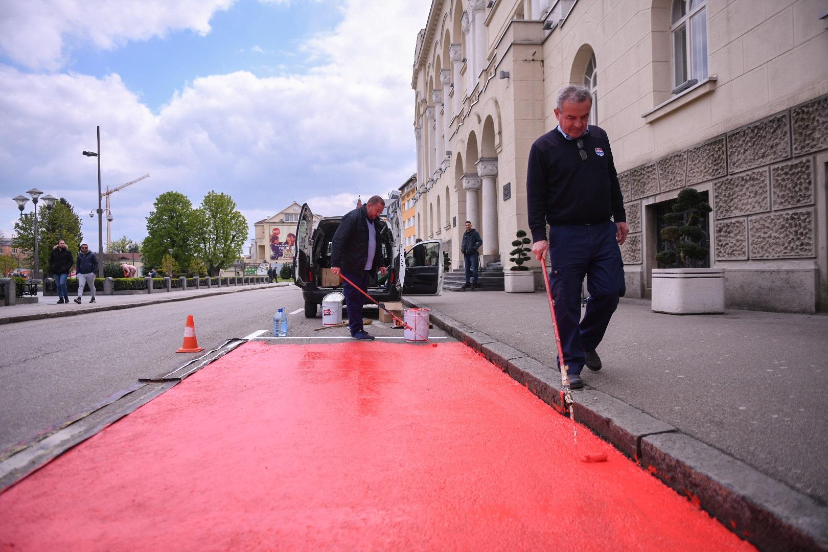 """Počelo označavanje """"humanih parkinga"""" u Banjaluci"""