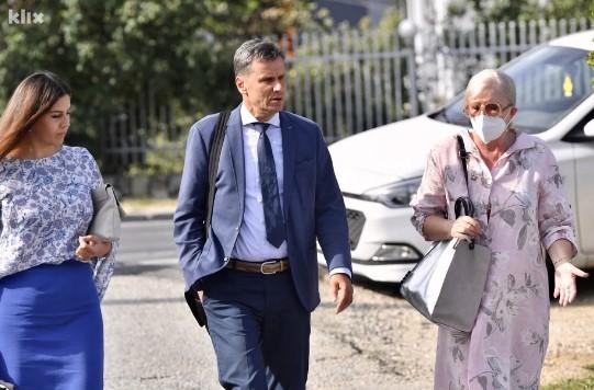 """Ročište u aferi """"Respiratori"""": Hodžić poručio da jednim papirom može """"zakucati"""" Novalića"""